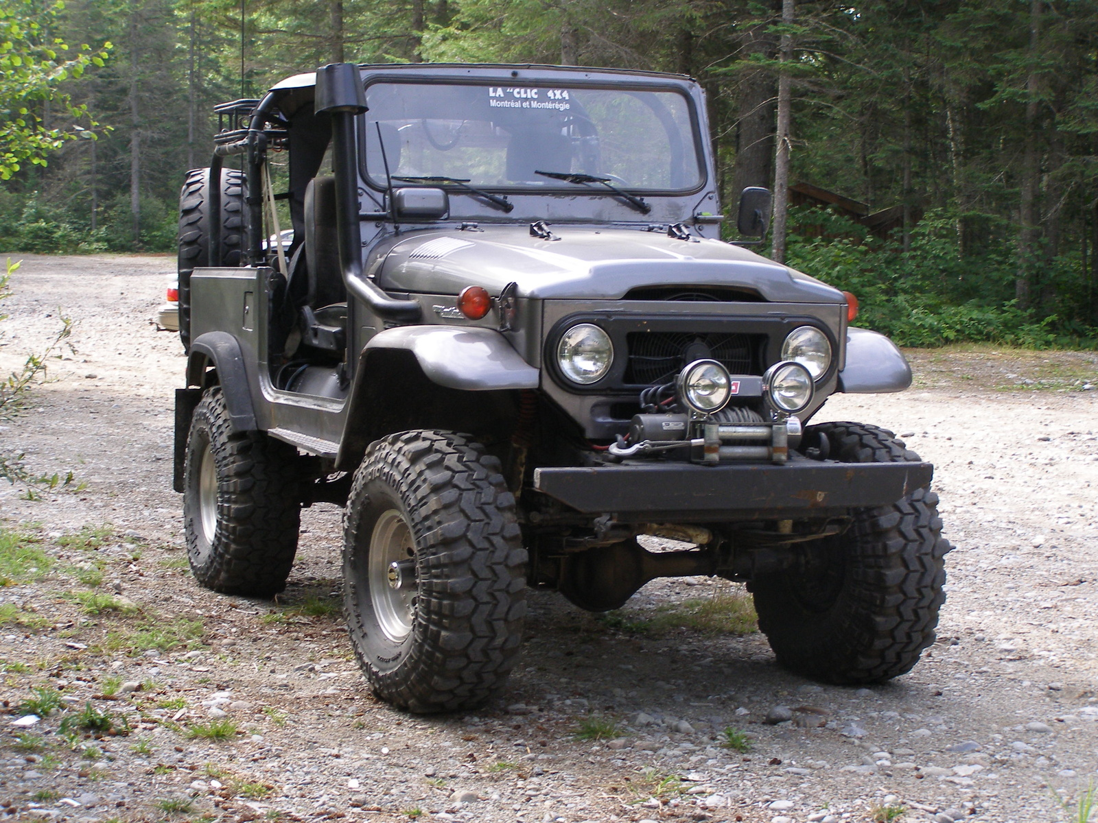 Whats The Difference Between A Jeep And Land Cruiser Gearhead Bestop Wiring Diagram Landcruiser